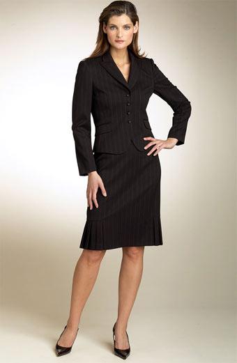 Одежда уже классического стиля - основа